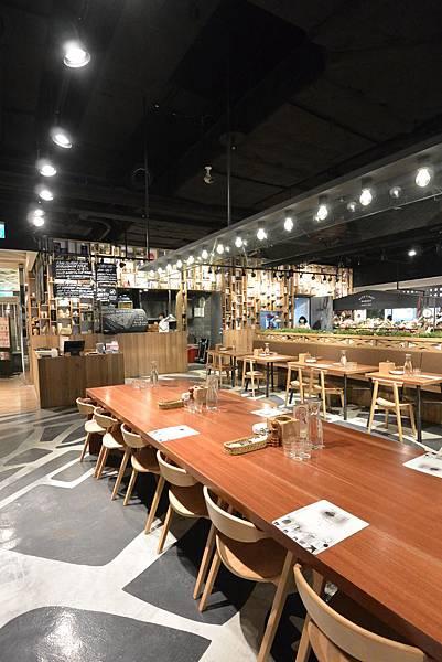 台北市薄多義義式手工披薩ATT店 (4).JPG