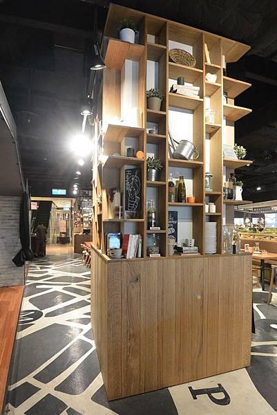 台北市薄多義義式手工披薩ATT店 (14).JPG