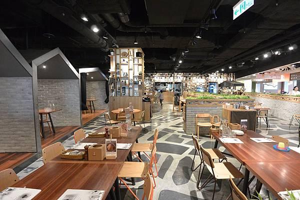 台北市薄多義義式手工披薩ATT店 (34).JPG