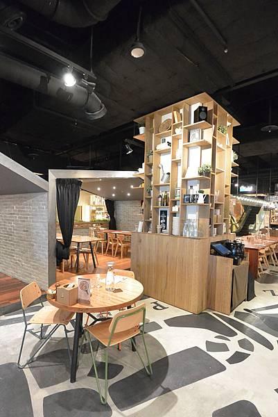 台北市薄多義義式手工披薩ATT店 (37).JPG