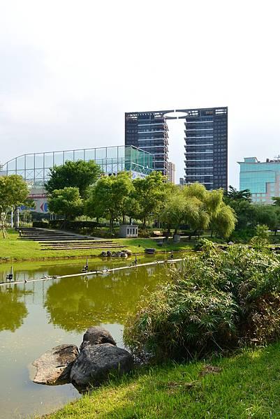 台北縣新店市裕隆公園 (21).JPG