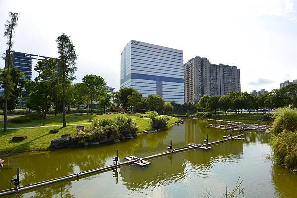 台北縣新店市裕隆公園 (22).JPG