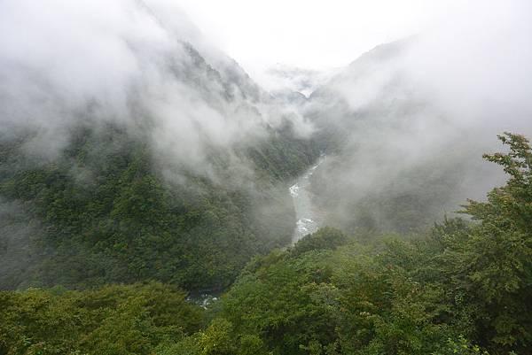 日本徳島県和の宿 ホテル祖谷温泉:男湯 渓谷の湯 (9).JPG