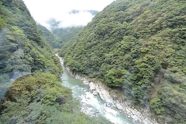 日本徳島県和の宿 ホテル祖谷温泉:男湯 渓谷の湯 (27).JPG