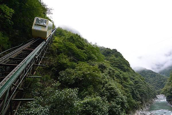日本徳島県和の宿 ホテル祖谷温泉:男湯 渓谷の湯 (33).JPG
