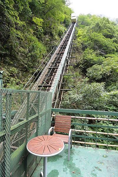 日本徳島県和の宿 ホテル祖谷温泉:男湯 渓谷の湯 (37).JPG