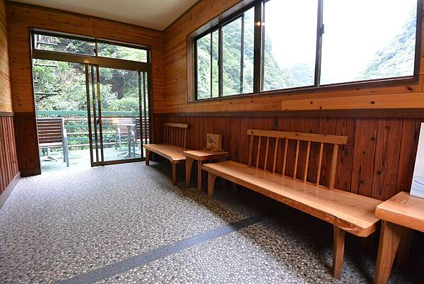 日本徳島県和の宿 ホテル祖谷温泉:男湯 渓谷の湯 (40).JPG