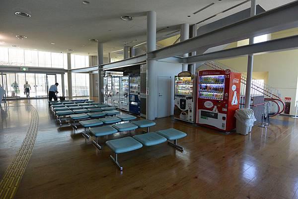 日本香川県高松市高松港旅客ターミナルビル (9).JPG