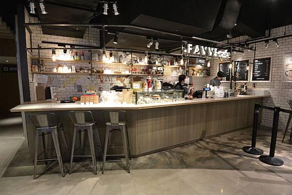 台北市FAVVI cafe微風松高店 (1).JPG