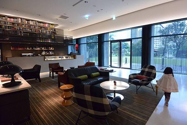 台北市誠品行旅:The Lounge (10).JPG