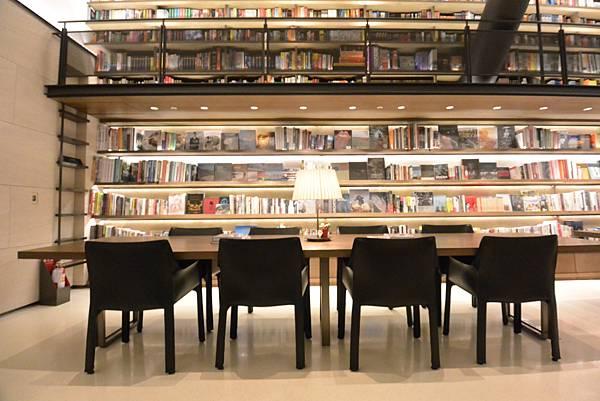 台北市誠品行旅:The Lounge (12).JPG