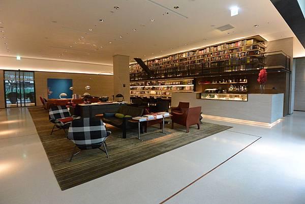 台北市誠品行旅:The Lounge (15).JPG