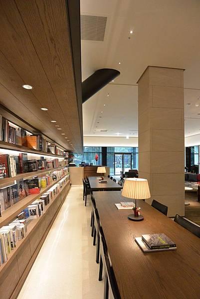 台北市誠品行旅:The Lounge (21).JPG