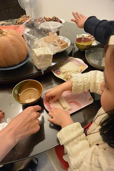 亞亞的新年夜間料理時間 (1).JPG