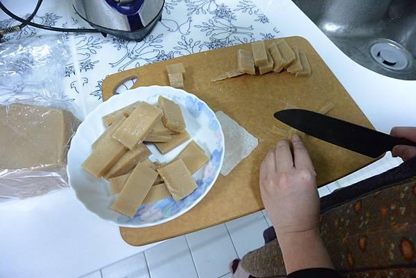 亞亞的新年夜間料理時間 (14).JPG