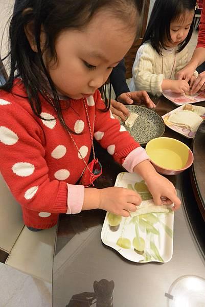 亞亞的新年夜間料理時間 (15).JPG