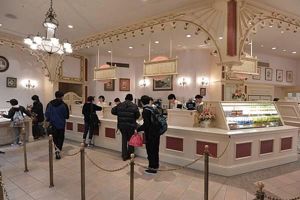 日本千葉県浦安市東京ディズニーランド:スウィートハート・カフェ (7).JPG