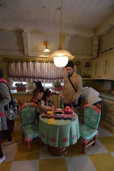 日本千葉県浦安市東京ディズニーランド:ミニーの家 (8).JPG