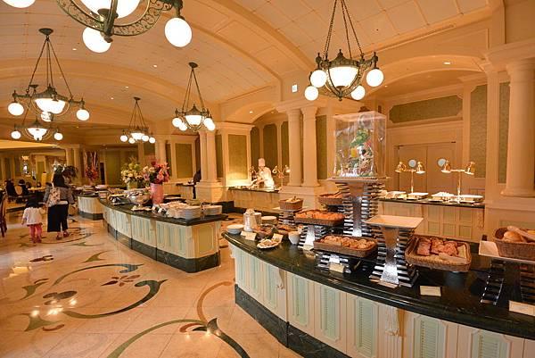 日本千葉県浦安市東京ディズニーランドホテル:ブッフェレストラン シャーウッドガーデン・レストラン (2).JPG