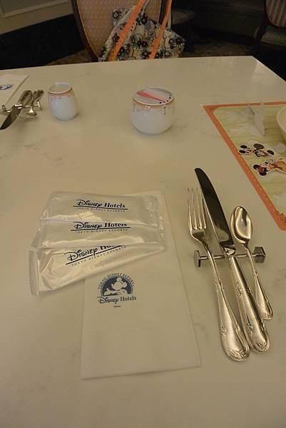 日本千葉県浦安市東京ディズニーランドホテル:ブッフェレストラン シャーウッドガーデン・レストラン (10).JPG