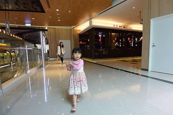 亞亞N訪中國信託金融園區 (16).JPG