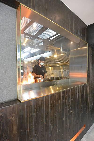 台北市札幌炎神拉麵 台灣店 (31).JPG