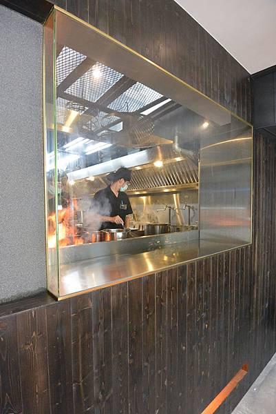 台北市札幌炎神拉麵 台灣店 (32).JPG