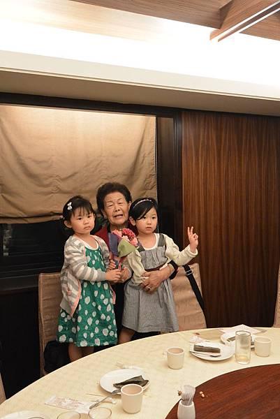 亞亞的2015母親節聚餐 (21).JPG
