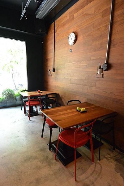 台北市AJEOSSI CAFE' (3).JPG