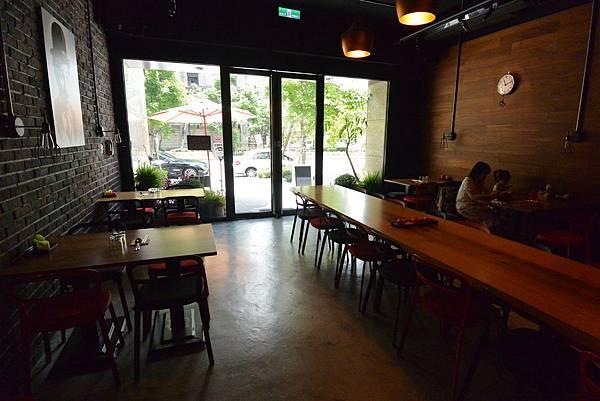 台北市AJEOSSI CAFE' (9).JPG