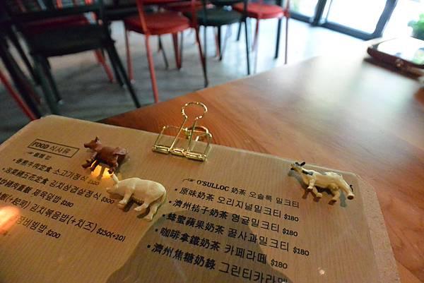 台北市AJEOSSI CAFE' (15).JPG