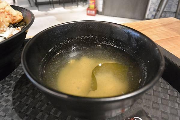 台北市FAVtory快‧食‧尚:Bowls丼飯專賣店 (9).JPG