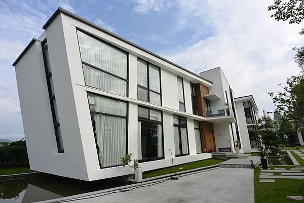 宜蘭縣冬山鄉AURA Villa:外觀【盜攝版】 (36).JPG