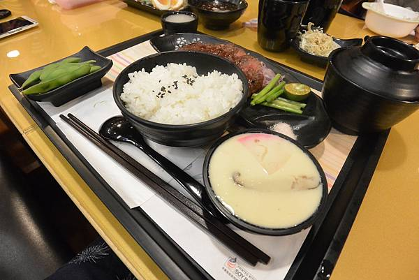 台北市定食8中崙(潤)店 (6).JPG