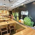 宜蘭縣礁溪鄉捷絲旅礁溪館:Just Cafe' (8).JPG