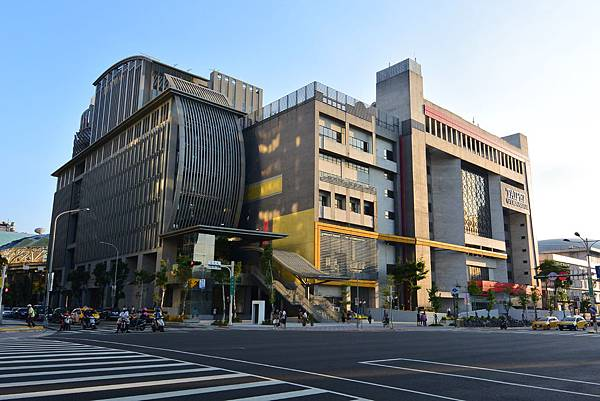 台北市台北小巨蛋站 (1).JPG