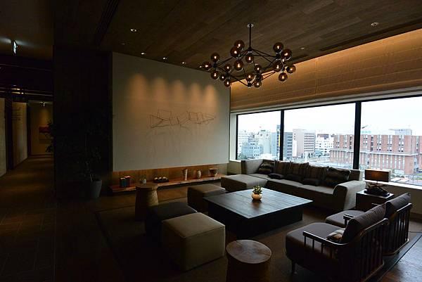 日本北海道旭川市JRイン旭川:大廳+外觀+枕コーナー (5).JPG