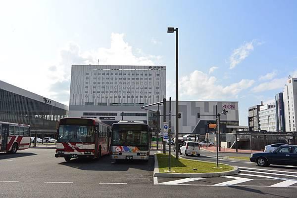 日本北海道旭川市JRイン旭川:大廳+外觀+枕コーナー (12).JPG