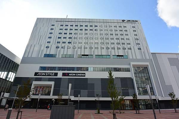 日本北海道旭川市JRイン旭川:大廳+外觀+枕コーナー (15).JPG