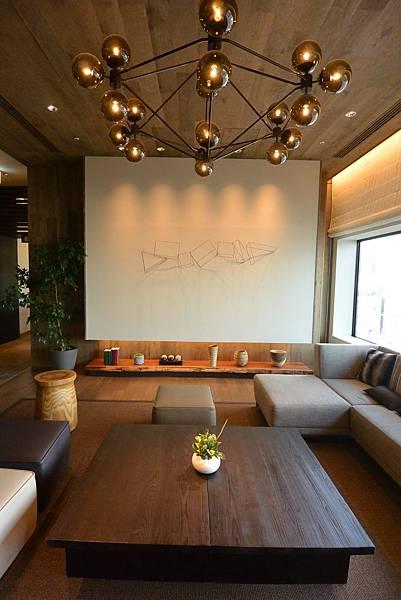 日本北海道旭川市JRイン旭川:大廳+外觀+枕コーナー (28).JPG