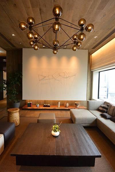 日本北海道旭川市JRイン旭川:大廳+外觀+枕コーナー (37).JPG