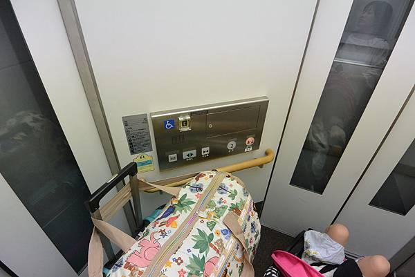 日本北海道旭川市旭川駅2 (9).JPG