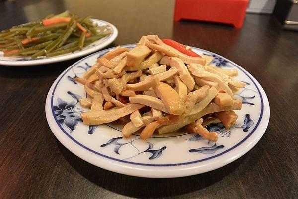 台北市老張牛肉麵店總店 (2).JPG