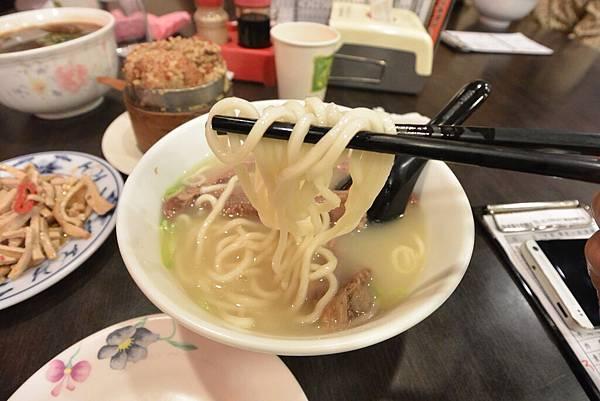 台北市老張牛肉麵店總店 (9).JPG