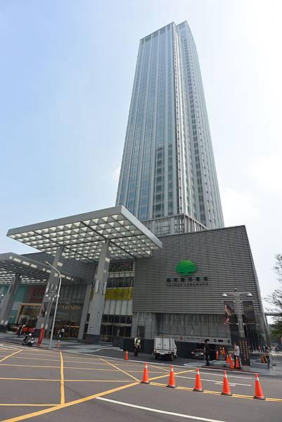 台北市微風信義 (1).JPG
