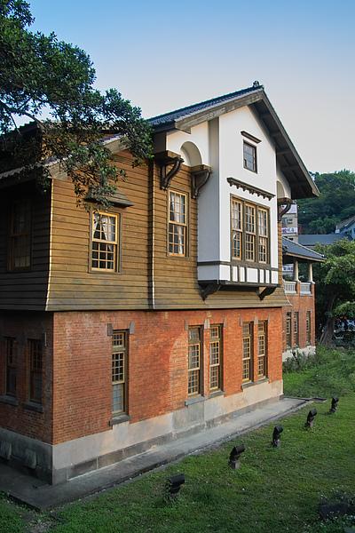 北投溫泉博物館外牆2.jpg