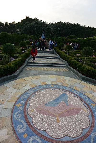 香港迪士尼樂園:童話園林 (5).JPG