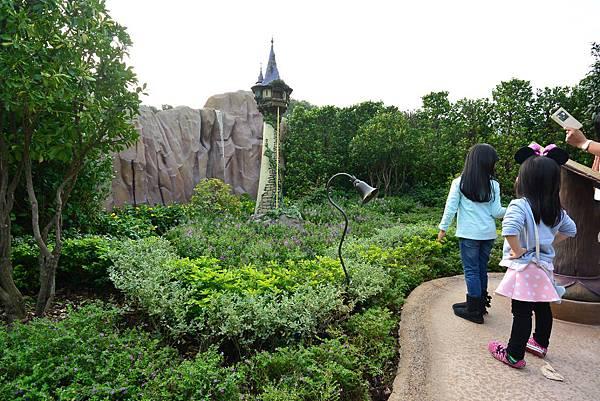 香港迪士尼樂園:童話園林 (8).JPG