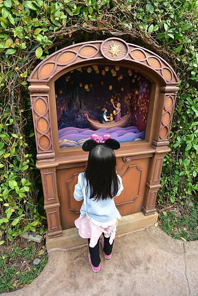 香港迪士尼樂園:童話園林 (10).JPG