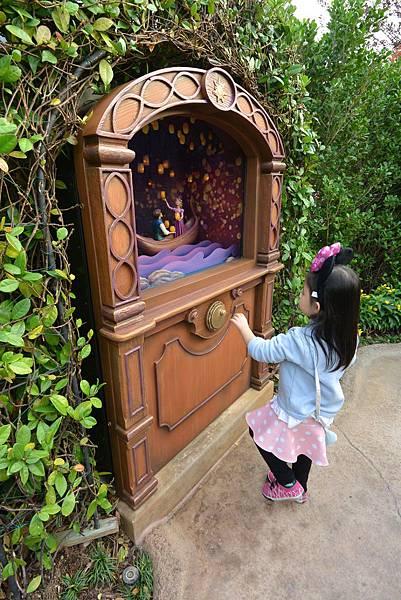 香港迪士尼樂園:童話園林 (11).JPG